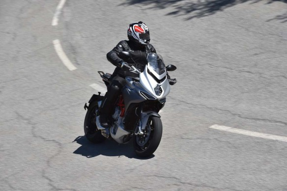 043015-2015-mv-agusta-turismo-veloce-800-Action 2