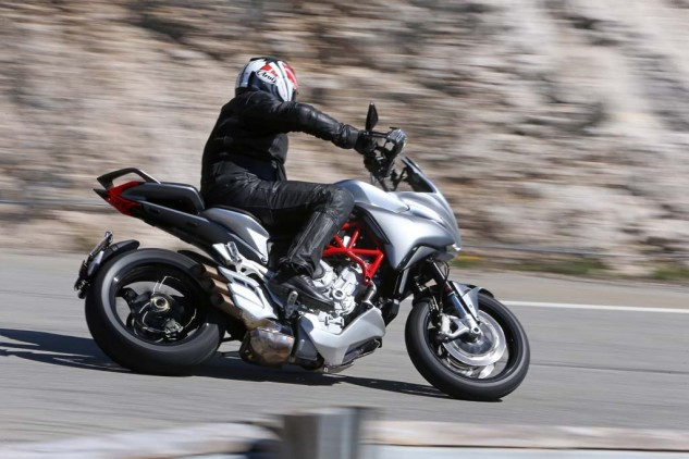 043015-2015-mv-agusta-turismo-veloce-800-Action 3