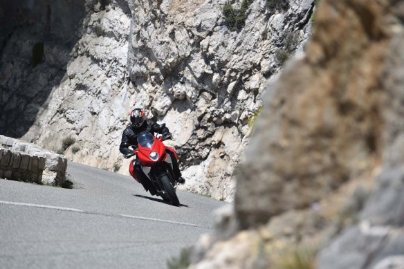 043015-2015-mv-agusta-turismo-veloce-800-Action 8