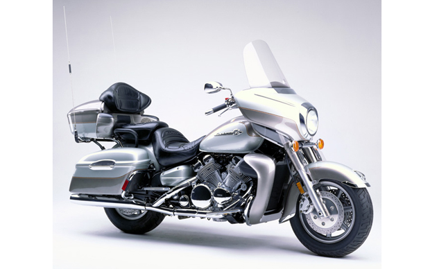 1999_Royal_Star_Venture_XVZ1300TF_feature
