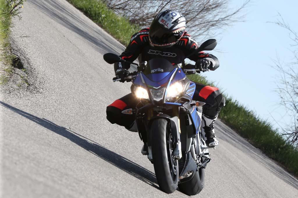 2016 Aprilia Tuono V4 1100 Rr First Ride Review