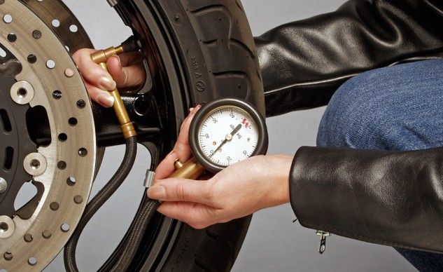 051415-top-10-overlooked-safety-tips-02-Tire-Pressure