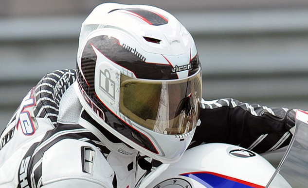 051415-top-10-overlooked-safety-tips-10-Icon-helmet