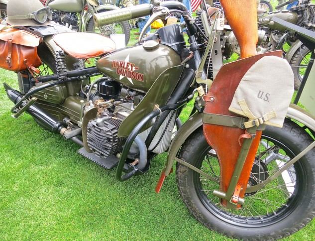 Dennis Gill's 750cc BMW-style XA Harley-Davidson is one of the thousands of military models built during the war. Lower production costs favored the V-Twin.