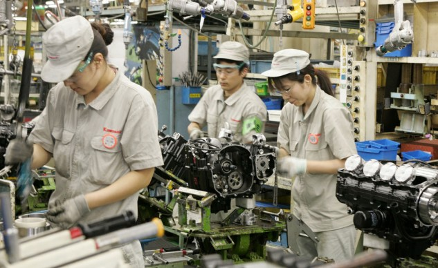 It's not just the engineers, even the workers on Kawasaki's assembly line are meticulous with their task.
