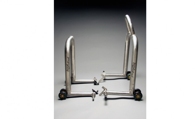 front and rear stands