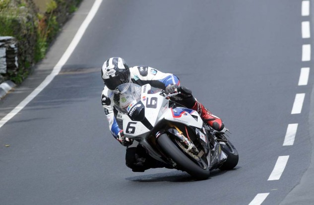 Michael Dunlop won the Senior TT, Superstock TT Superbike TT on a BMW last year. After trying the Yamaha YZF-R1M this week, Dunlop made the surprise decision to switch back to the S1000RR.