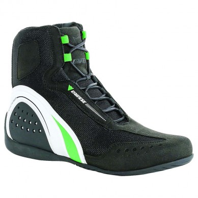 060815-buyers-guide-warm-weather-boots-dainese-motorshoe-air