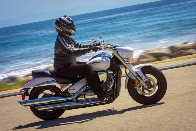 It's heavier and longer, but don't let its beach cruiserness fool you – the Boulevard M50 is a sporty mid-displacement power cruiser.