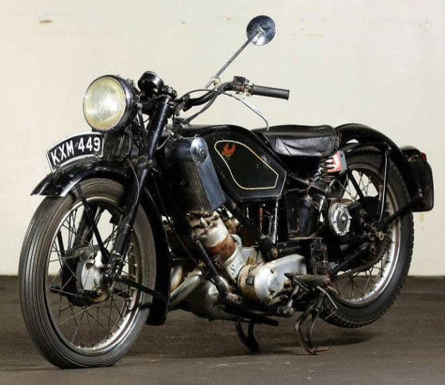 During the 1920s and '30s, Scott built 496cc and 596cc twins, first air-cooled then liquid-cooled.