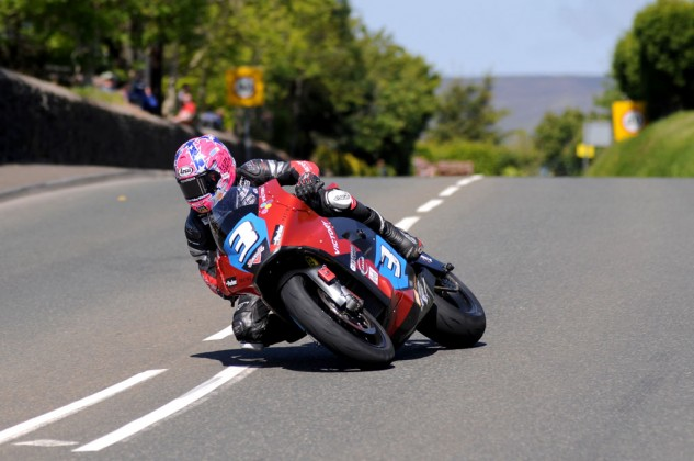 063015-2015-isle-of-man-tt-wrap-up-Lee-Johnston-Victory-Electric