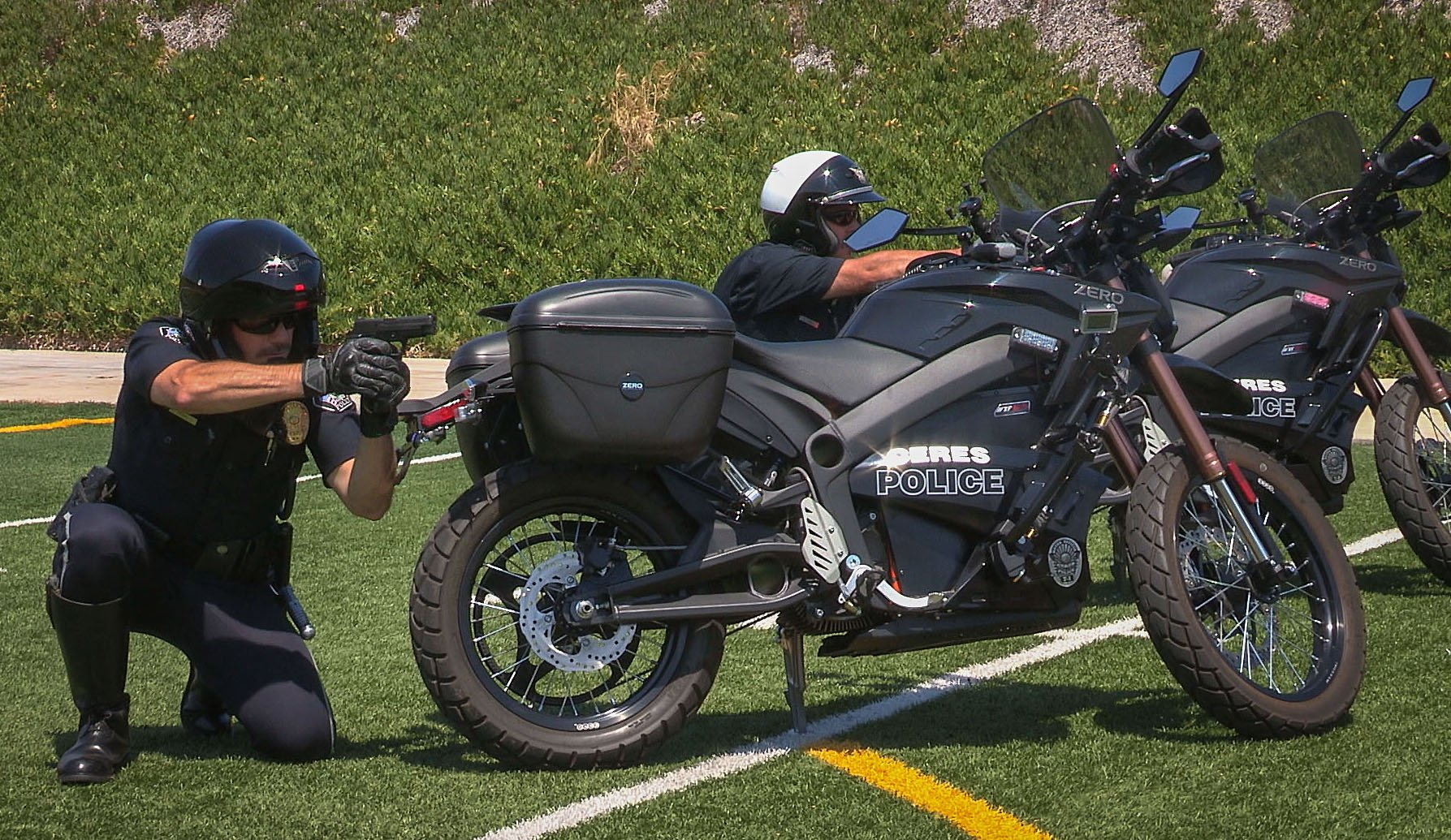 Right Practice At The Ceres Police Department Firing Range In A Mock Exercise That Uses Their Zero Motorcycles As Cover Photo By Jay Mcnally