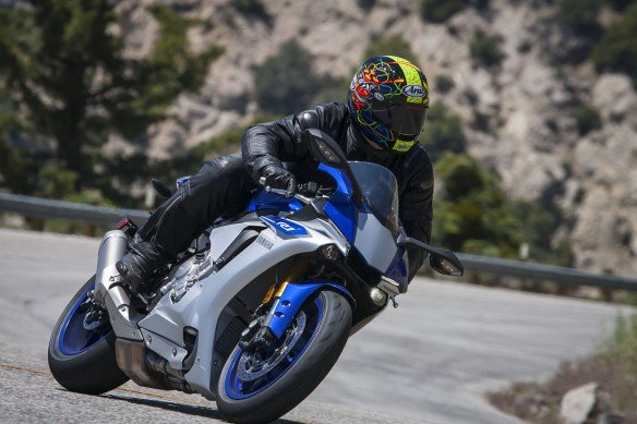 072015-trizzles-take-sportbikes-are-terrible-yamaha-yzf-r1