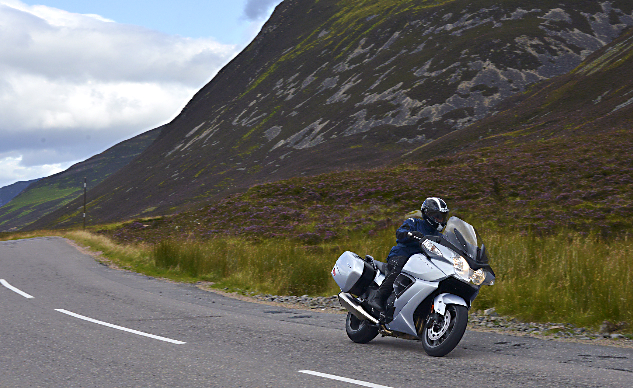 072715-buyers-guide-touring-abroad-scotland