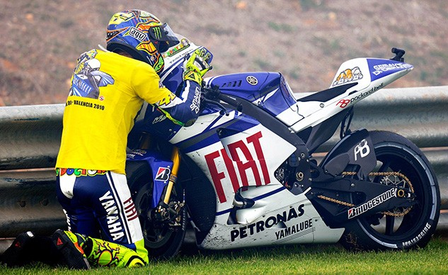 Rossi embraces Yamaha