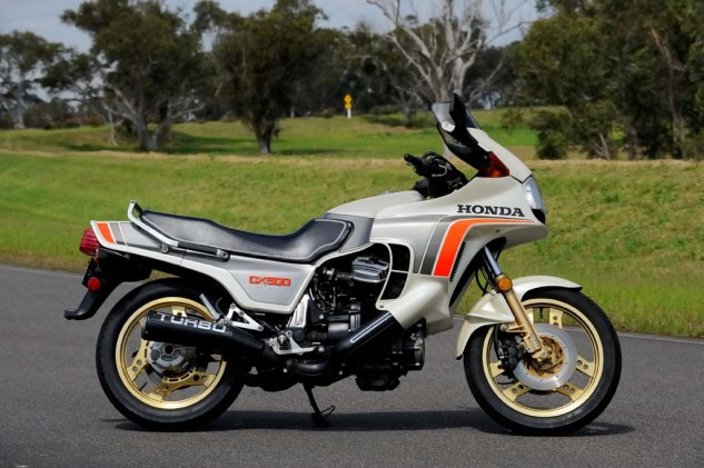 The CX500 was the first mass-produced turbo motorcycle in the world. It was also the first motorcycle to feature EFI when it was released in 1982.