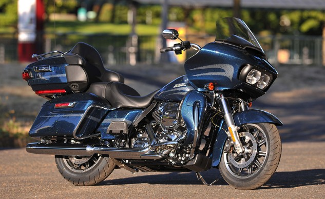 Great ventilation from the gills beside the headlights and liquid-cooling, the Harley tourer gets serious.