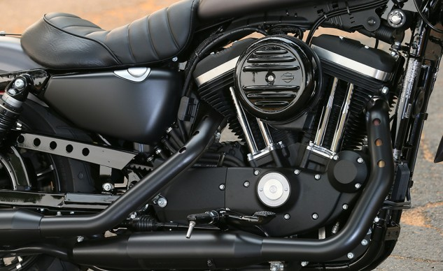 2016 Harley-Davidson Iron 883 Engine