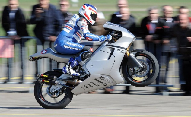 Three-time world champ Freddie Spencer takes the Suter MMX500 for a spin of two-stroke GP nostalgia.