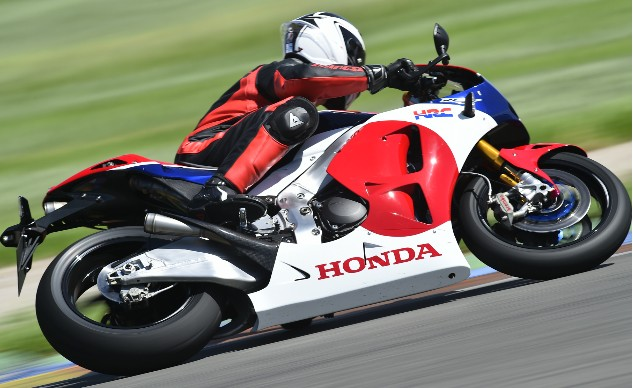 2016 Honda RC213V-S First Ride - Action