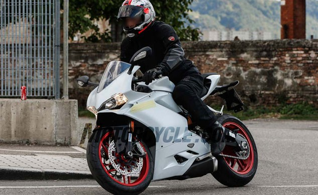 100515-spy-photo-2016-Ducati-959-Panigale-f