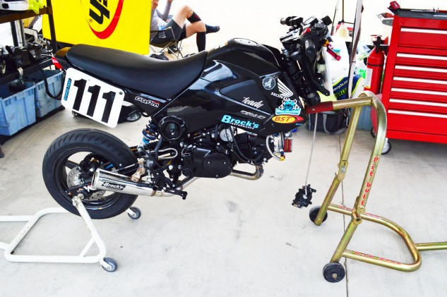 This wouldn't be the last time our Grom had its forks removed.