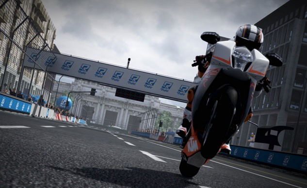 100815-ride-game-review-suzuki-f