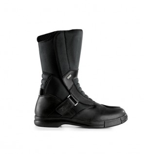 101215-cool-weather-boot-buyers-guide-XPD-X-RaiderH2Out