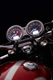 Retro styling with modern features. The dual gauges also utilize LCD menus to access information and ABS/TC settings.