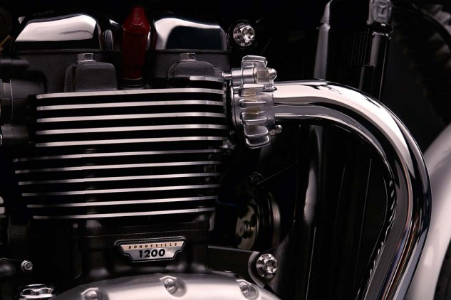 The double-skinned exhaust headers help to minimize discoloration from heat.