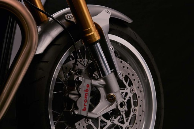 Sexy Brembo monoblock calipers and full-floating discs!