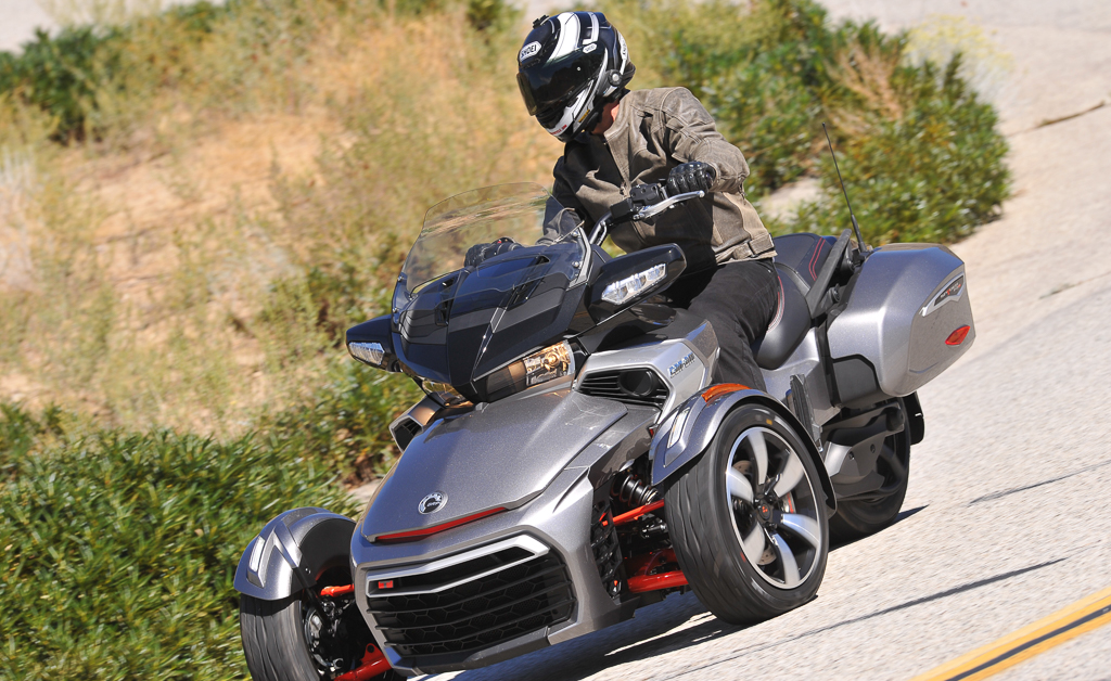 2016 Can Am Spyder F3 T Action
