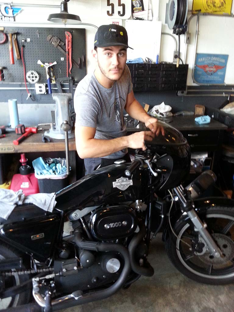 Joining Serge in the Heroes restoration shop is super wrench Guillaume also from Paris. Harley factory Café Racer belongs to Olivier Martinez.