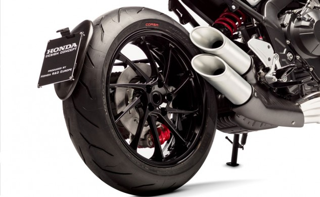111815-honda-CB4_Concept-rear-wheel-detail