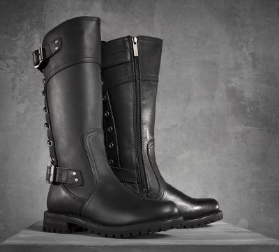 113015-100-250-gift-guide-alexa-performance-boots