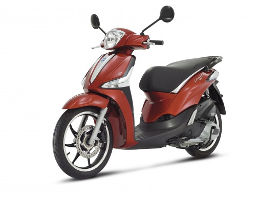 Liberty 125 rosso 3-4ant_sx_4158