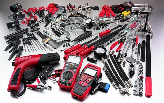 121415-gift-guide-plus-500-tools-2