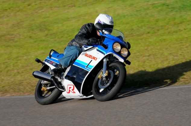 The 1985 GSX-R likes long, sweeping old-school lines and is great fun to ride like that, with high corner speeds.