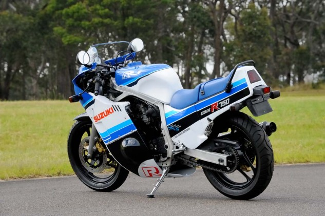 This angle shows just how slim the 1985 GSX-R750 is. Not too many bikes look as good from the left leaning in as they do from the outside.