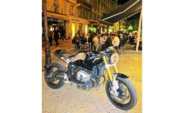 012516-motorcycles-france-f