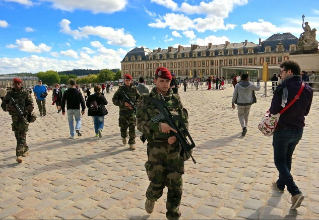 Popular tourist attractions, such as the palace at Versailles, are well guarded
