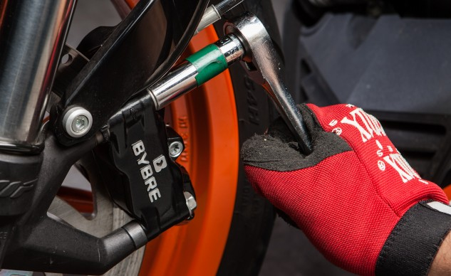 MO Wrenching: How To Replace Brake Pads