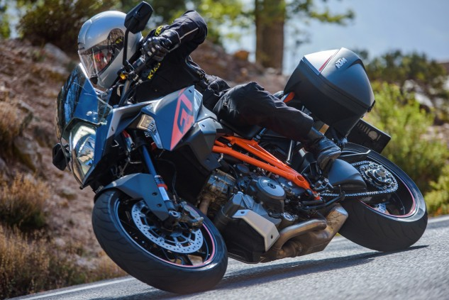 The Super Duke GT is equipped with Pirelli Angel GT tires rather than the Dunlops of the SDR. Cornering clearance is generous for a bike in the sport-touring category.