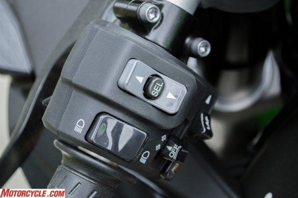 031716-top-10-features-2016-kawasaki-zx-10r-03-switches