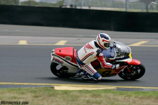 032916-barry-sheene-festival-2016-Spencer on the factory 500 triple getting into it