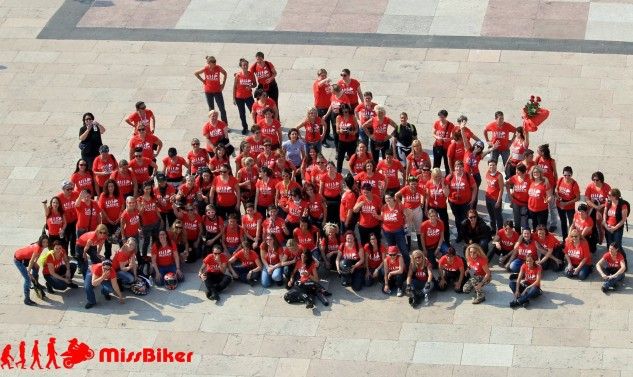 050316-missbiker-group-shot
