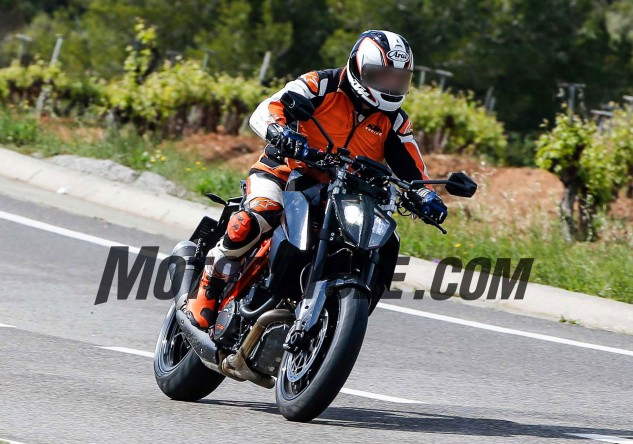 he most striking visual change to the Super Duke is a new LED headlight that significantly shrinks the bike's nose.