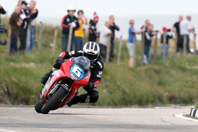 William Dunlop on the Victory RR at the Bungalow. Photo by Dave Kneen at Pacemaker Press International.