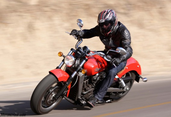 070816-Urban-Sport-Cruiser-2016-indian-scout_RWN3629