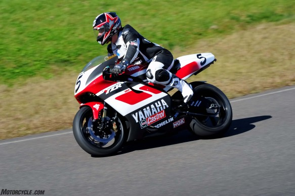 072516-wayne-rainey-replica-yamaha-yzr500-Costin-Abe-Replica